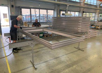 Gyártás a Schal-Tech aszódi gyártóüzemében
